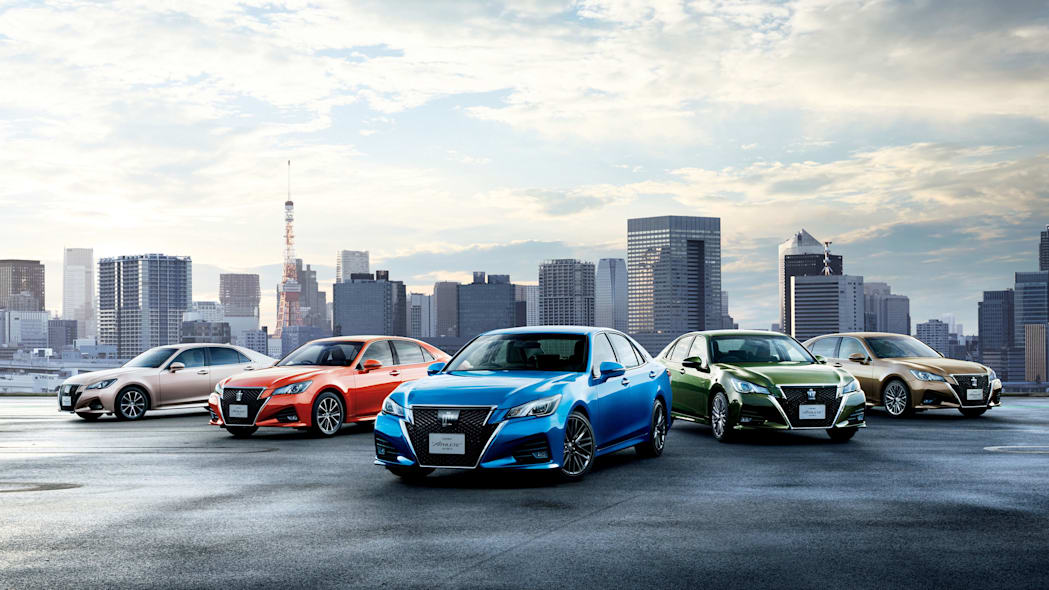 Toyota Crown new colors