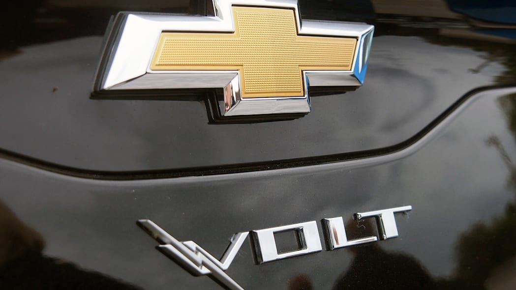 2016 Chevrolet Volt badge