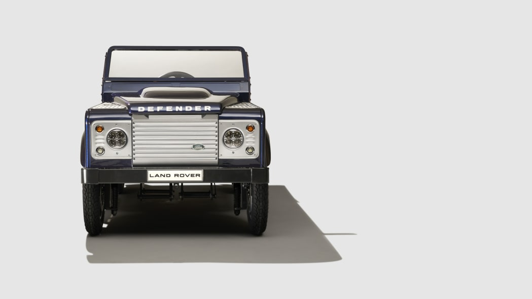 land rover defender pedal car front