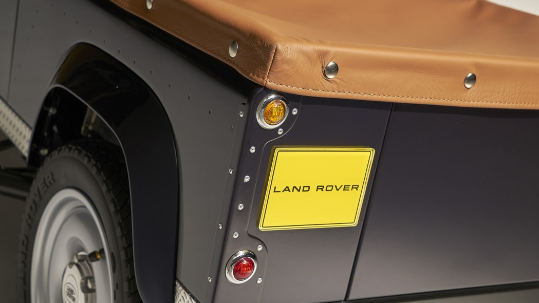 land rover defender pedal car tail