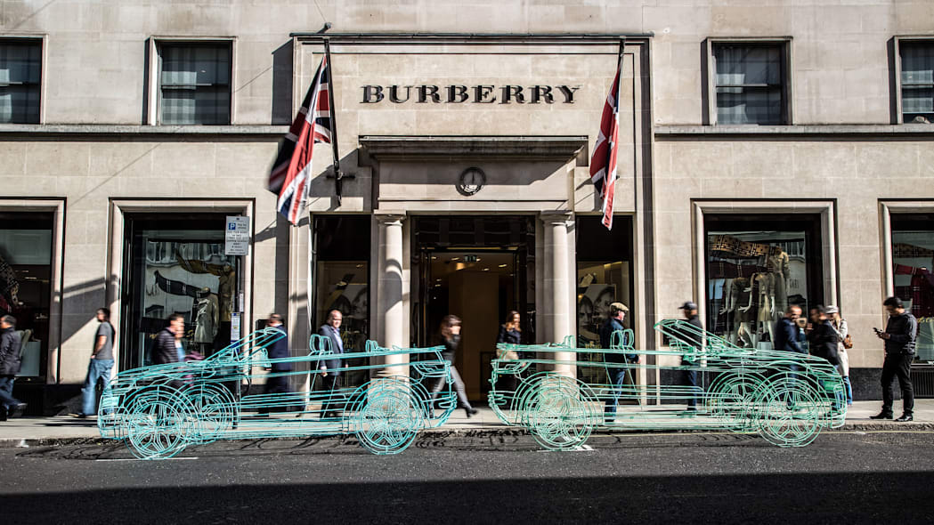 land rover range rover evoque convertible wireframes outside burberry