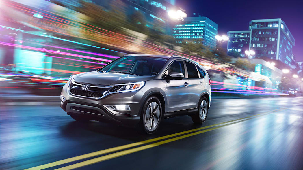 2016 Honda CR-V moving street