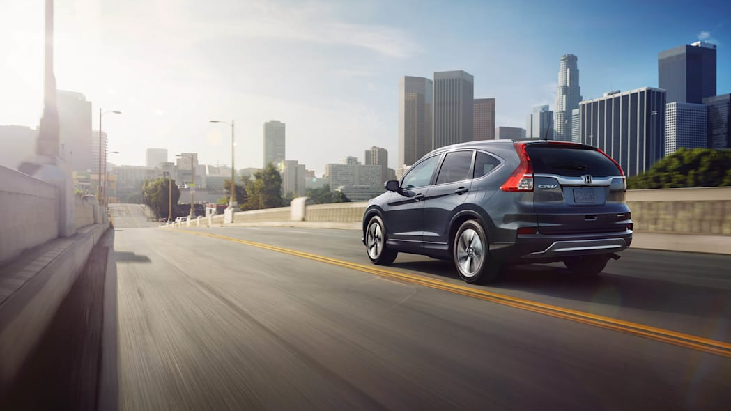 2016 Honda CR-V moving highway rear 3/4