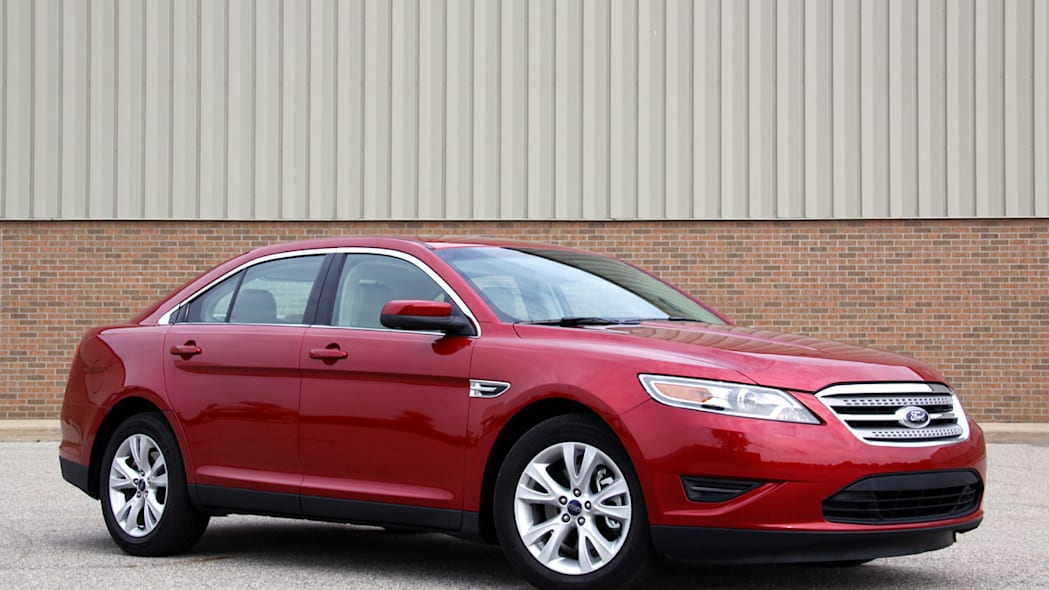 2010 Ford Taurus red front
