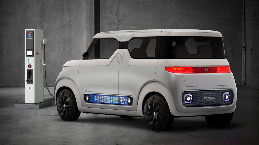 Nissan Teatro for Dayz Concept plug in electric charge