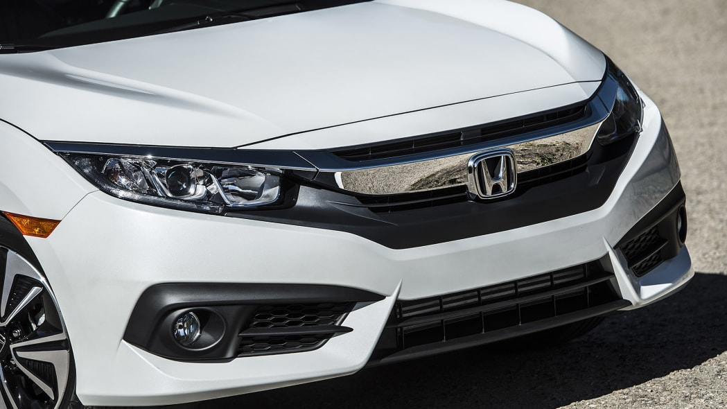 2016 Honda Civic front detail