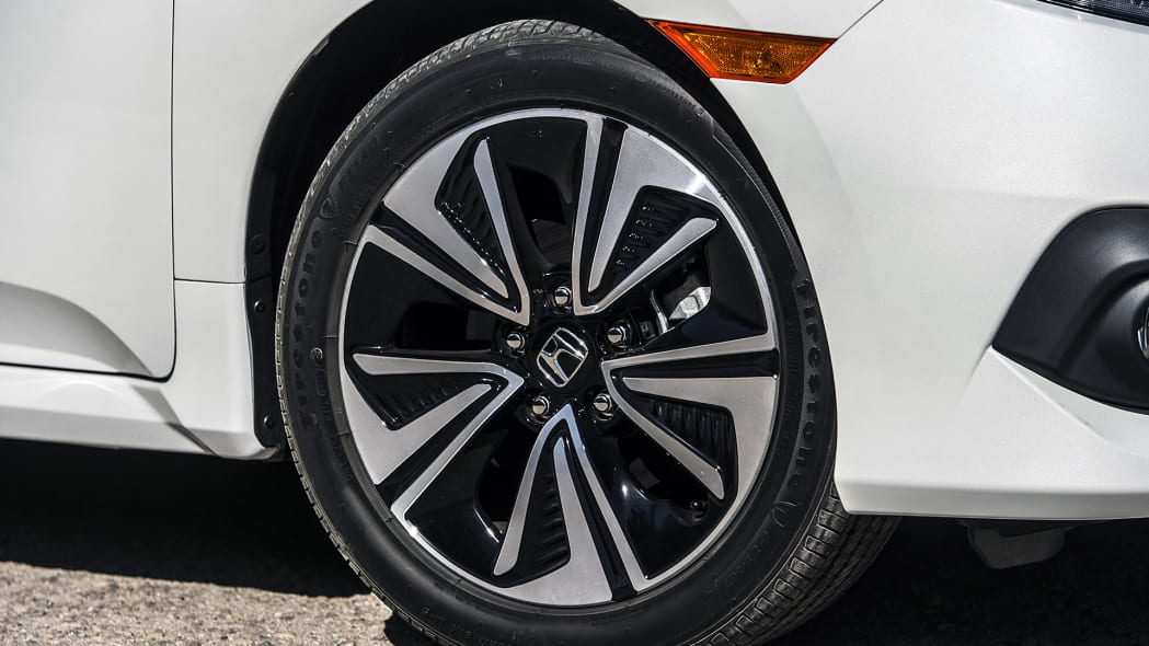 2016 Honda Civic wheel