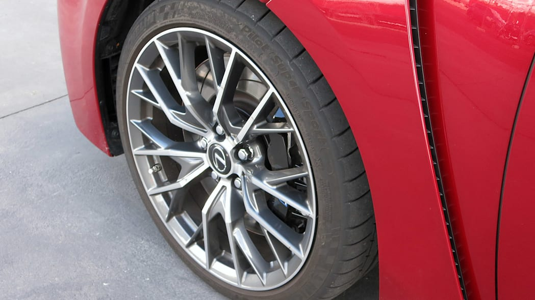2016 Lexus GS F wheel