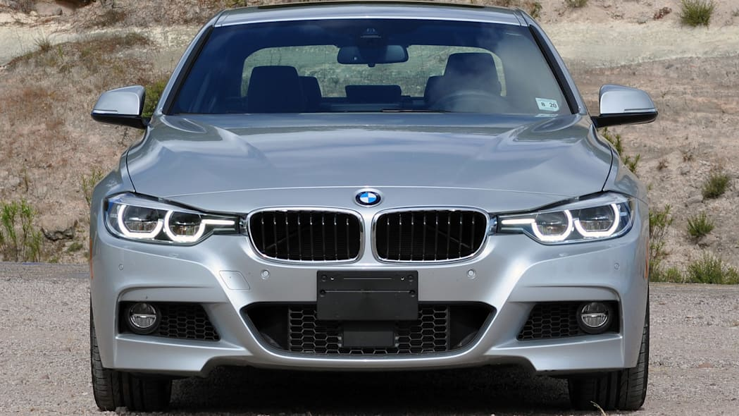 2016 BMW 3 Series front view