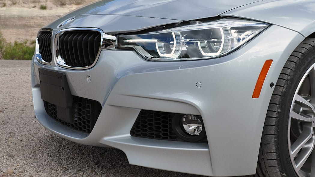 2016 BMW 3 Series front detail