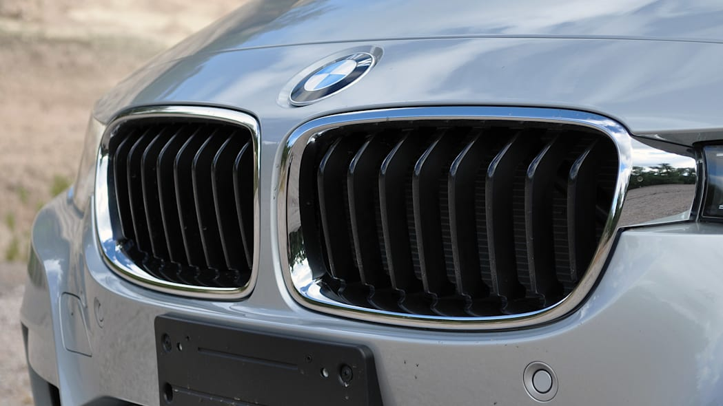 2016 BMW 3 Series grille