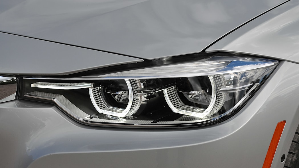 2016 BMW 3 Series headlight