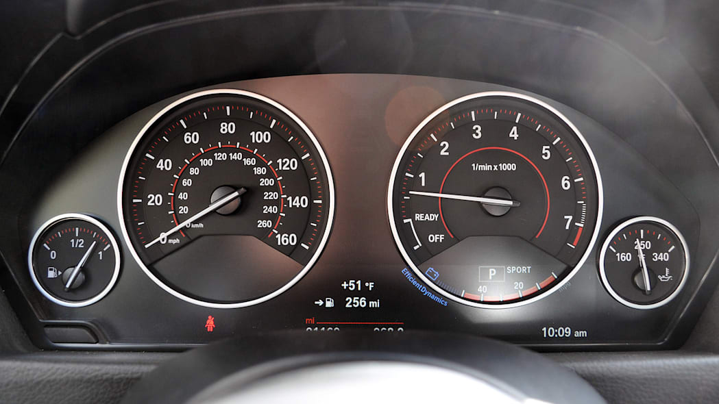 2016 BMW 3 Series gauges