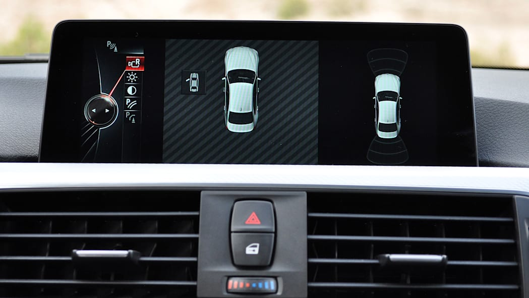 2016 BMW 3 Series infotainment system