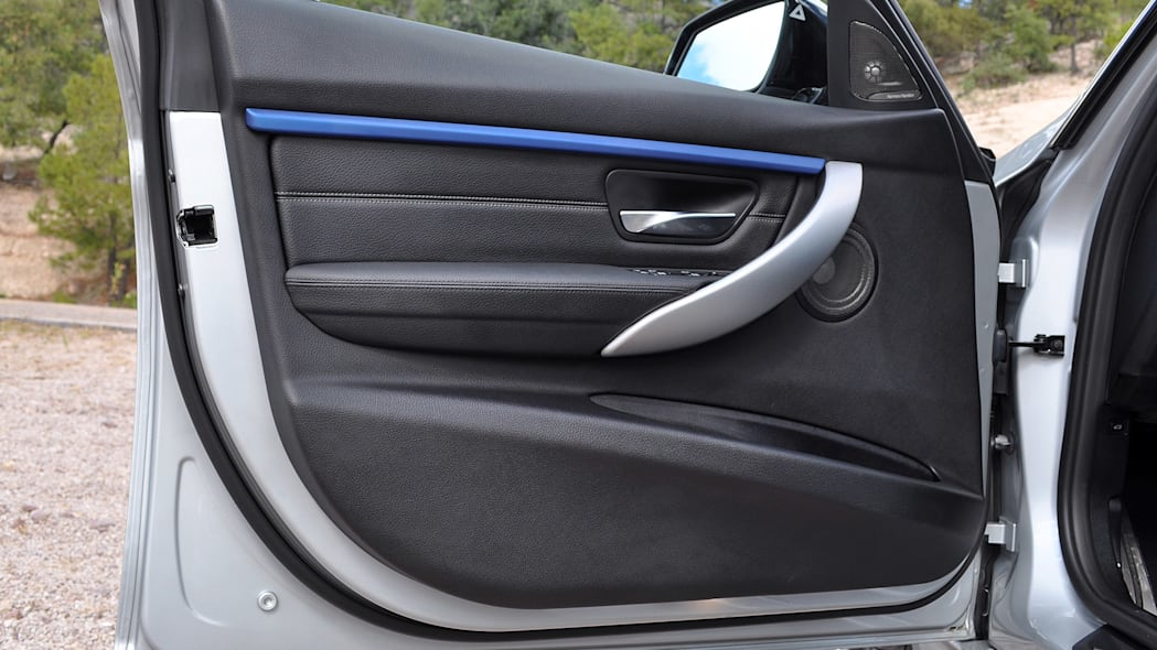 2016 BMW 3 Series door
