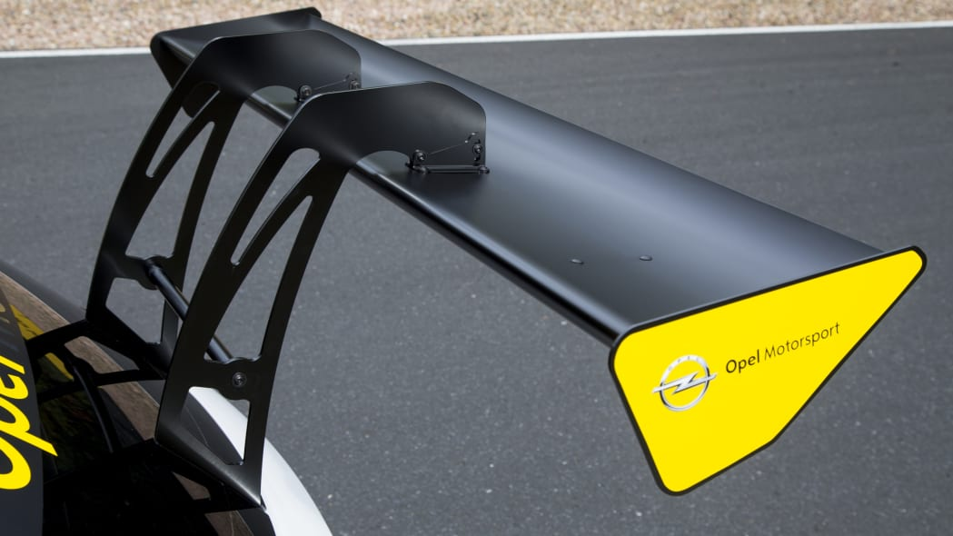 Opel Astra TCR rear wing
