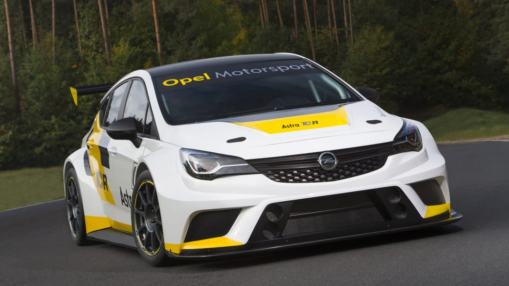 Opel Astra TCR static front 3/4