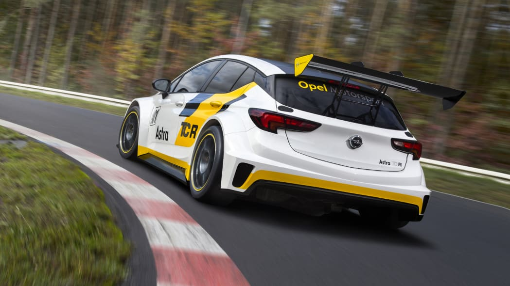 Opel Astra TCR track rear 3/4