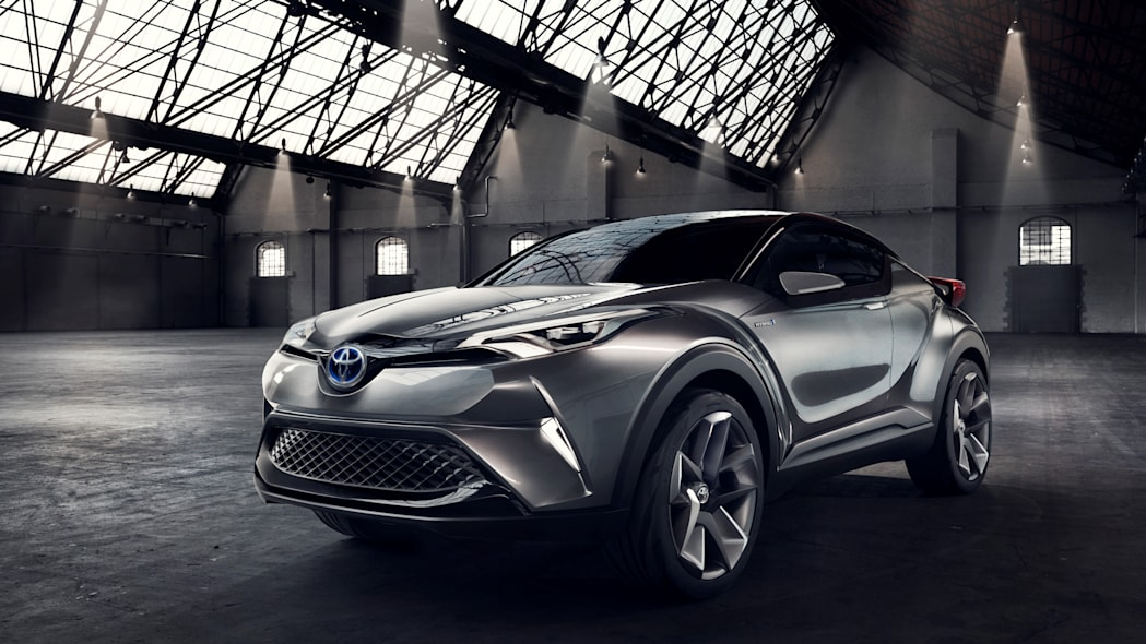 toyota c-hr three quarters