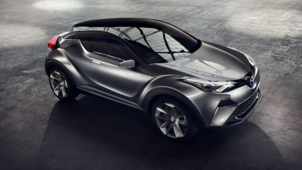 toyota c-hr top three quarters