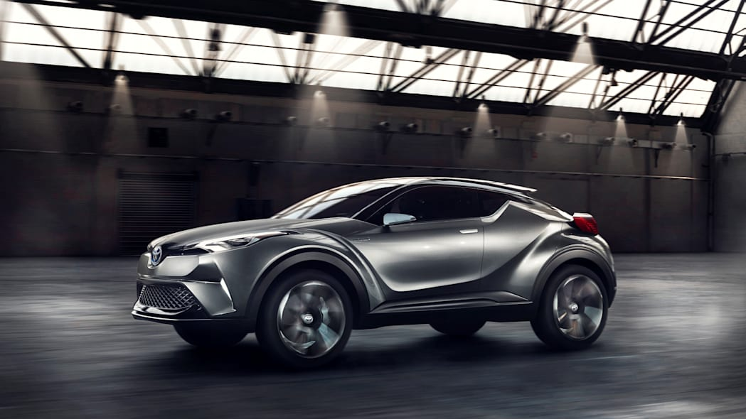 toyota c-hr side front