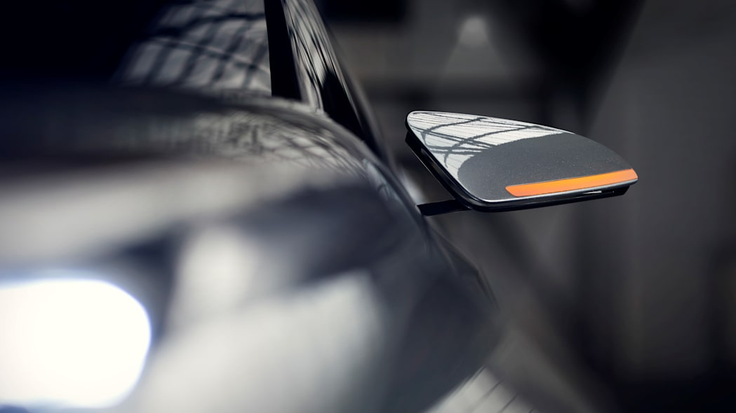 toyota c-hr mirror detail