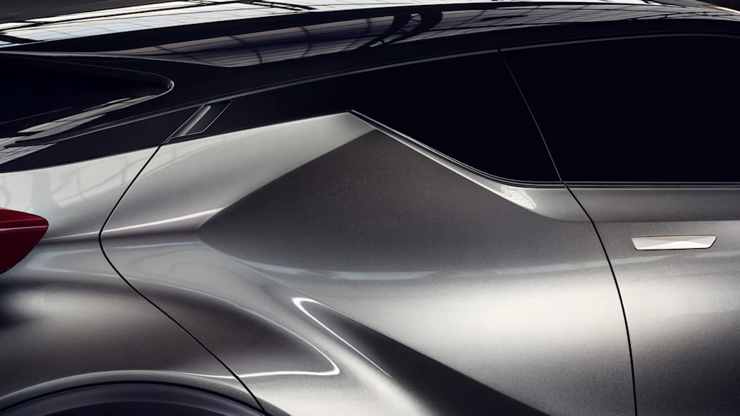 toyota c-hr door detail