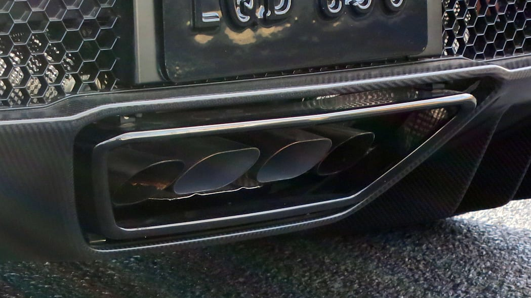 2017 Acura NSX exhaust tips