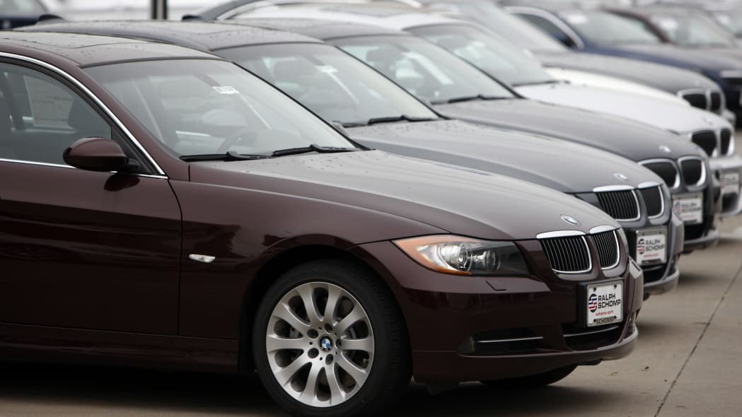 BMW 3 Series used car lot