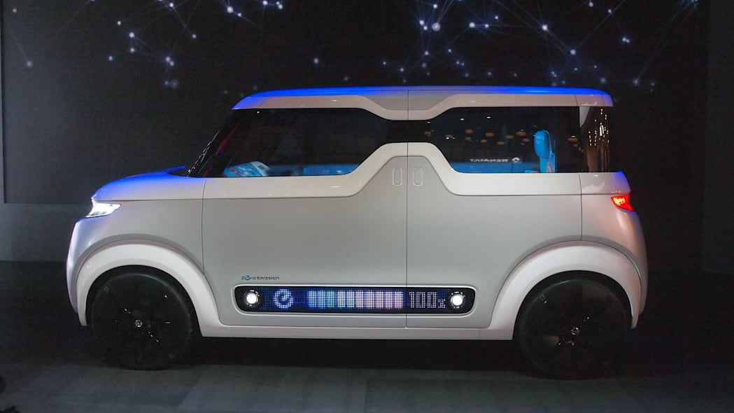 Nissan Teatro For Dayz Concept side view