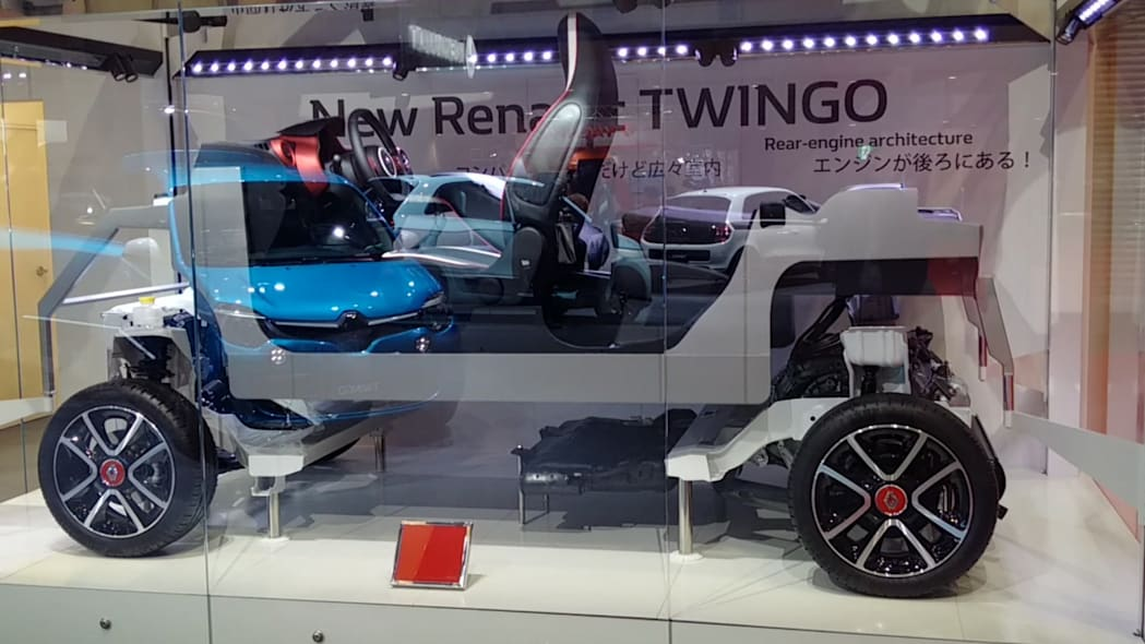 Renault Twingo Chassis | Tokyo Motor Show | Autoblog Short Cuts