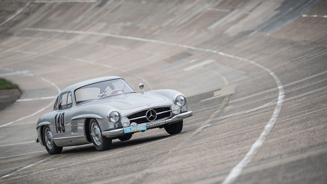 Mercedes-Benz 300 SL Gullwing front 3/4