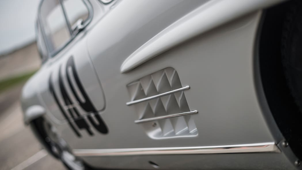 Mercedes-Benz 300 SL Sportabteilung Gullwing side detail