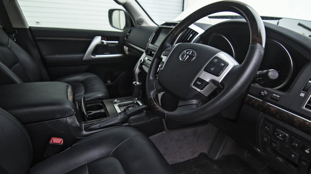 Toyota LC 200 Ever-Better Expedition interior