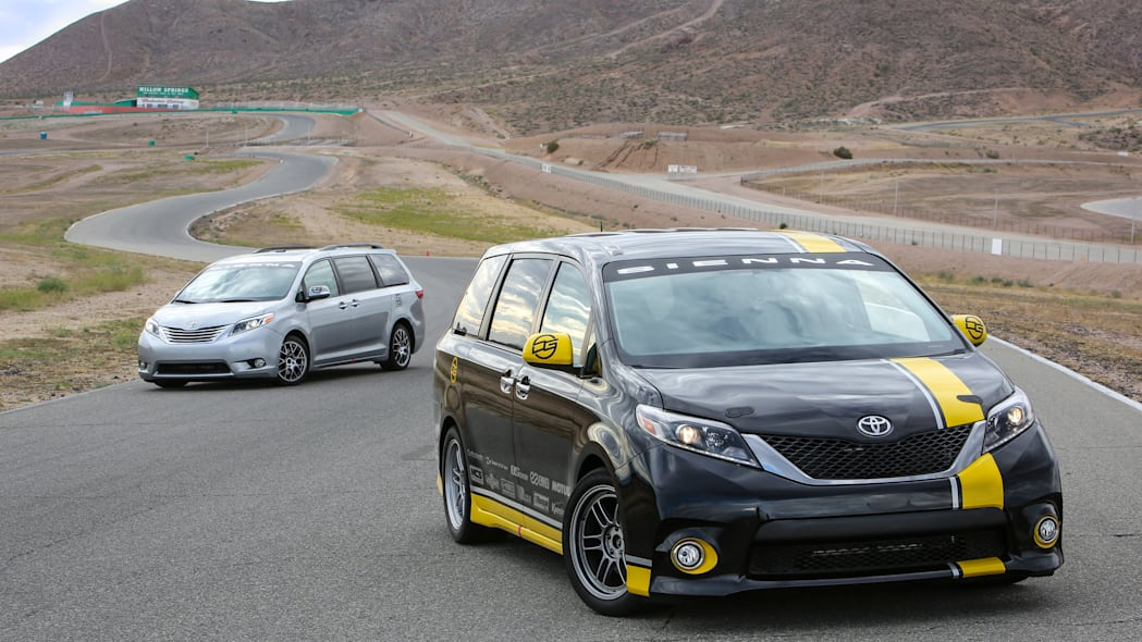 Toyota Sienna R-Tuned Concept duo front