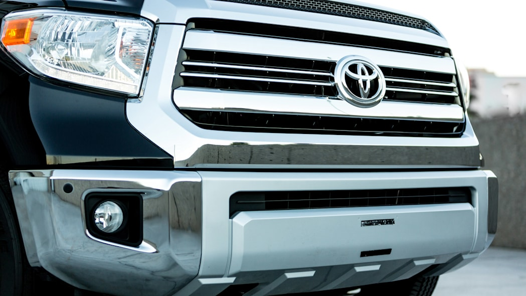 Toyota Tundrasine Concept front grille