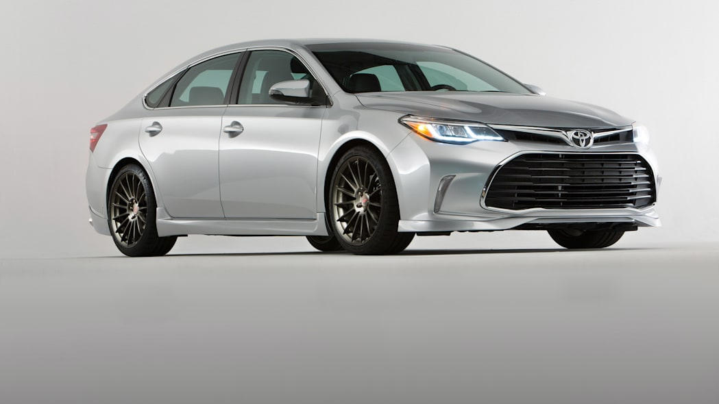 Toyota Avalon TRD SEMA Concept front 3/4