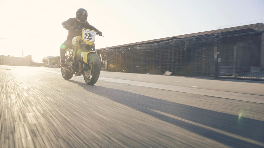 Yamaha 900 Faster Wasp Roland Sands Design moving