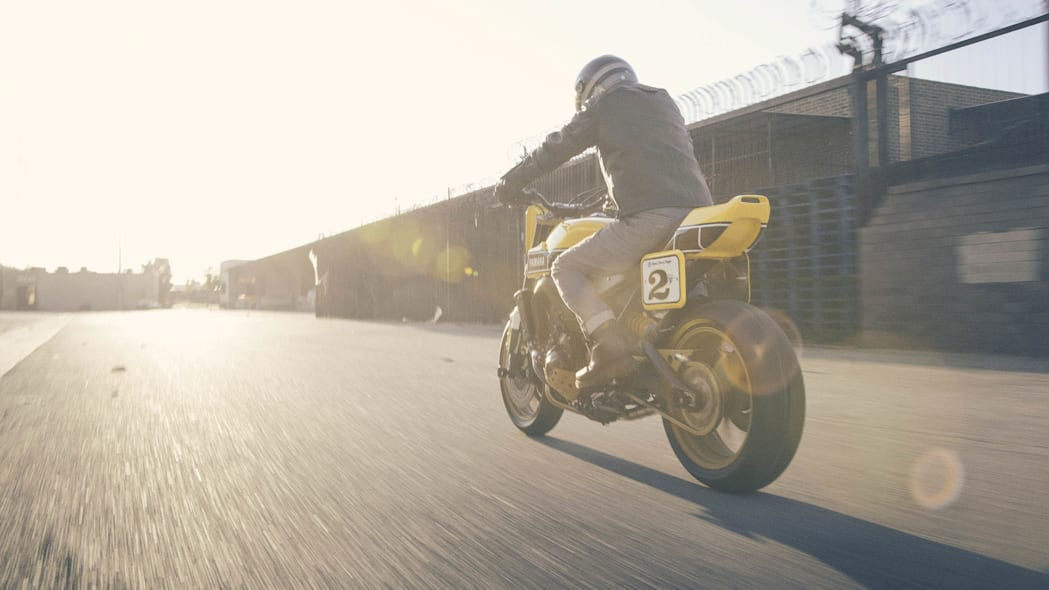 Yamaha 900 Faster Wasp Roland Sands Design motion