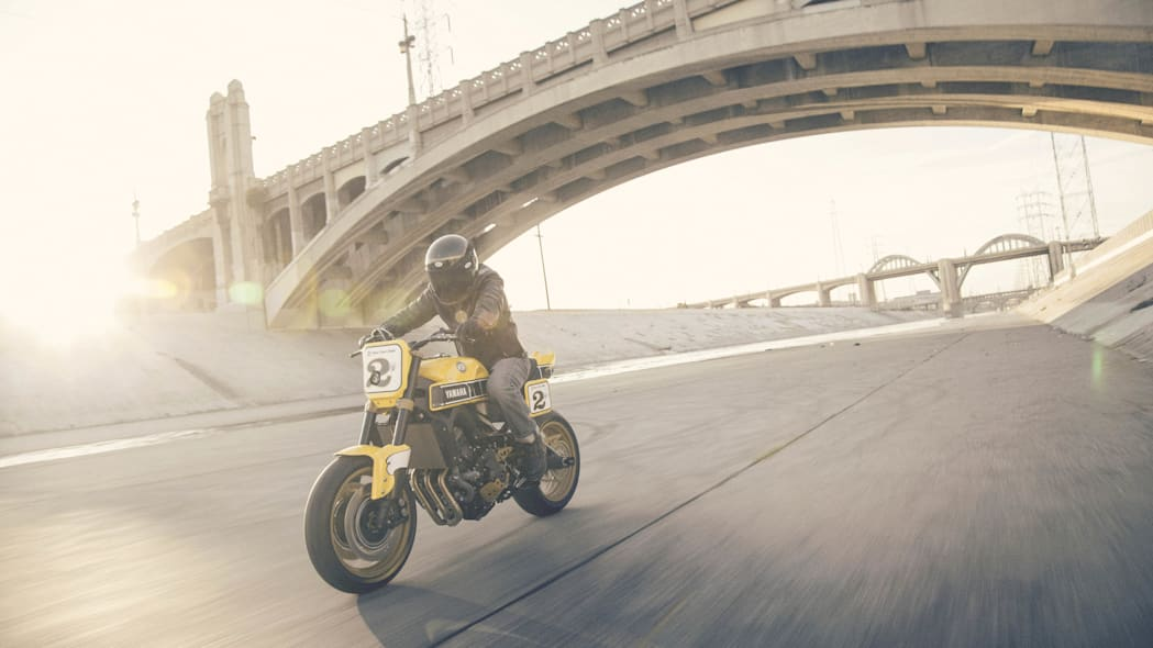 Yamaha 900 Faster Wasp Roland Sands Design action