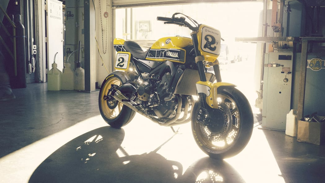 Yamaha 900 Faster Wasp Roland Sands Design garage