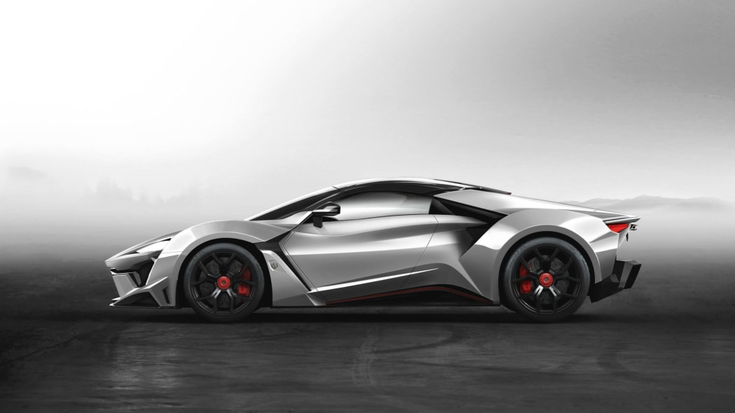 W Motors Fenyr SuperSport static silver profile