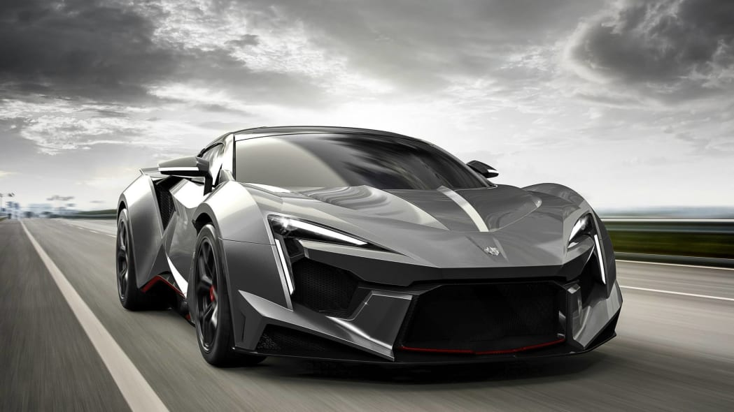 W Motors Fenyr SuperSport moving front 3/4