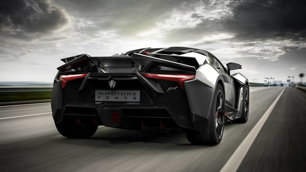 W Motors Fenyr SuperSport moving rear 3/4