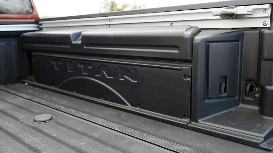 2016 Nissan Titan bed storage
