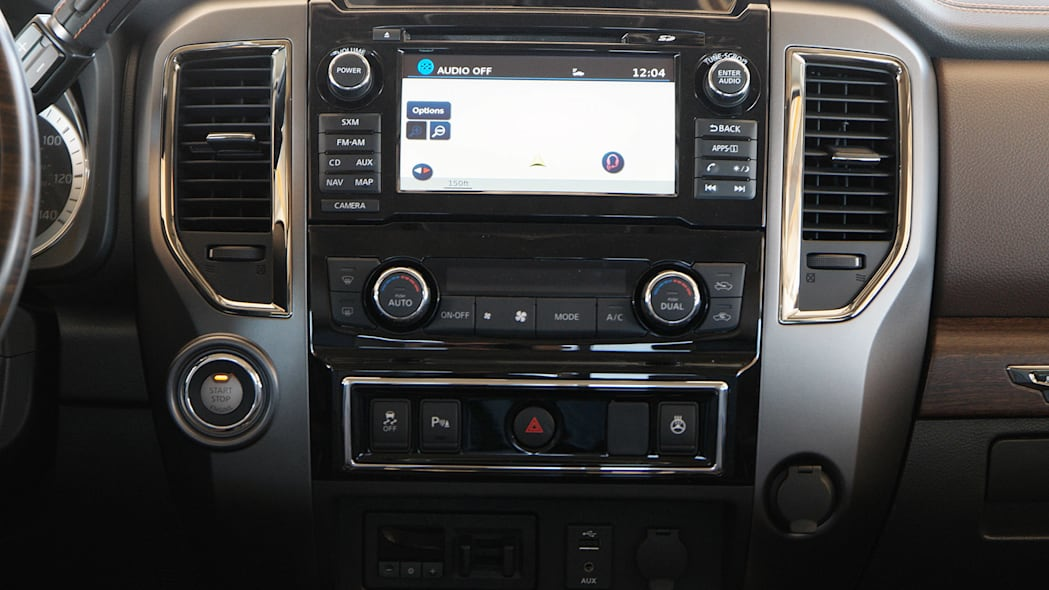 2016 Nissan Titan instrument panel