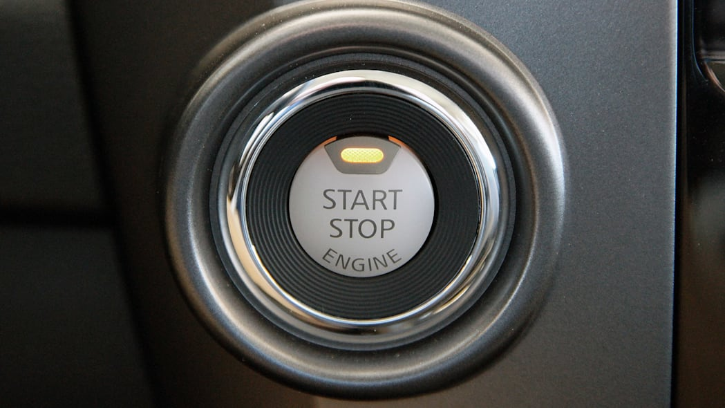 2016 Nissan Titan start button