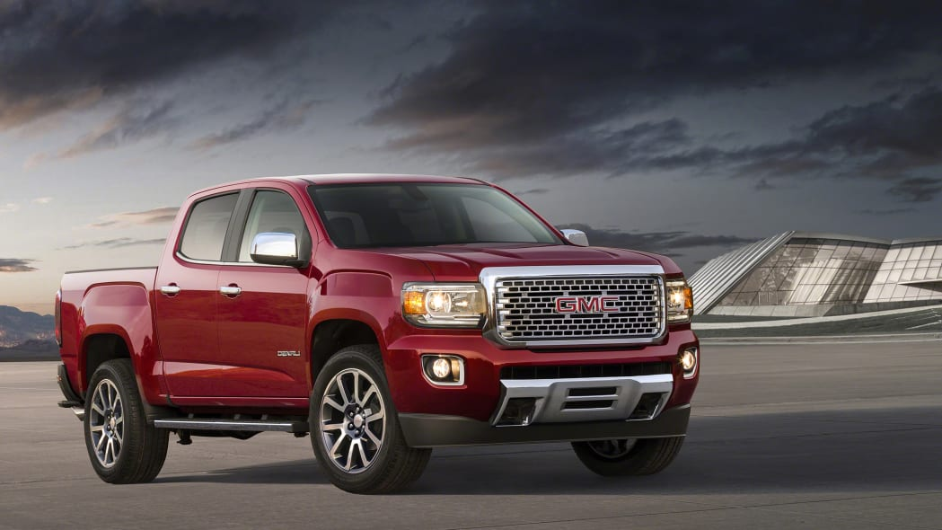 The 2017 GMC Canyon Denali, front three-quarter view.