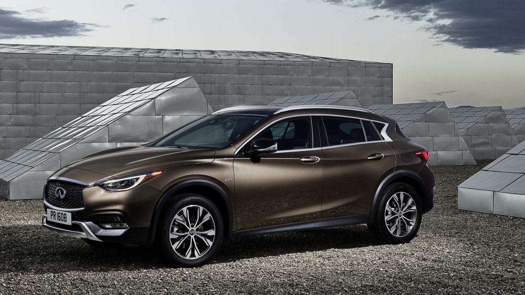 2017 Infiniti QX30 front 3/4 parked
