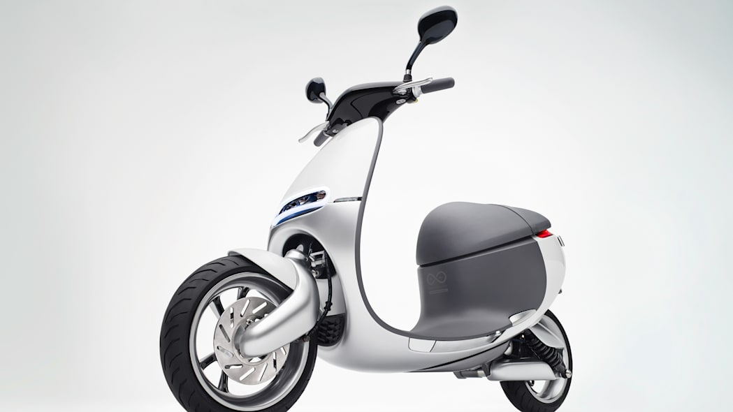 Gogoro Smartscooter front 3/4